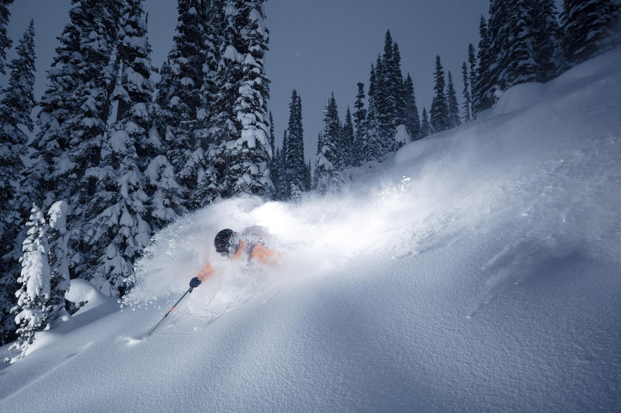 1 Deep Winter Heli Skiing BC