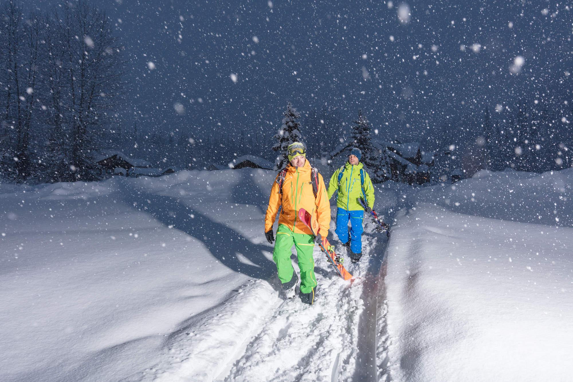 6 Deep Winter Heli Skiing BC