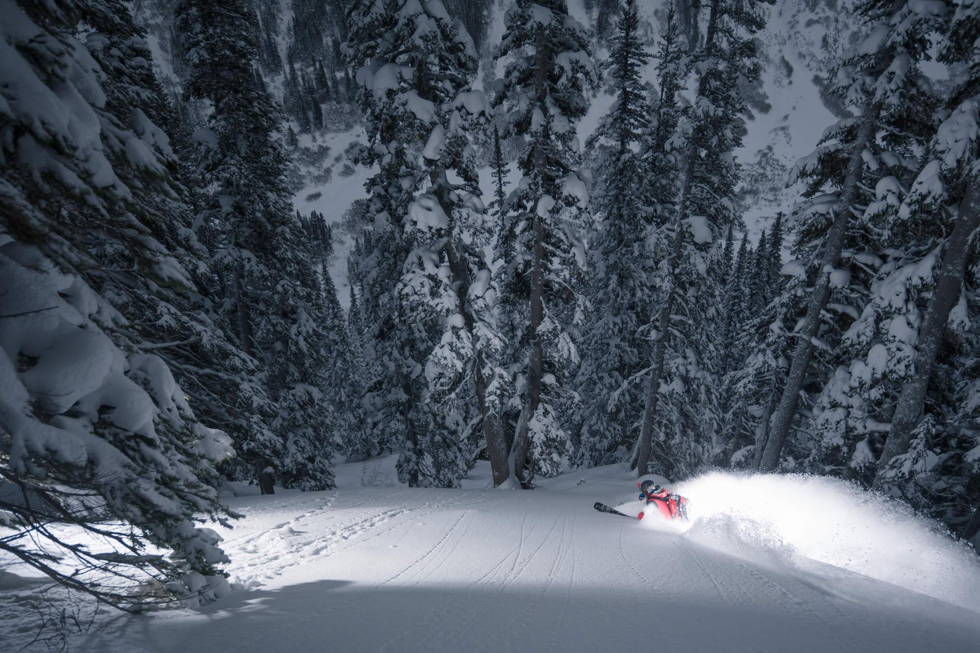 8 Deep Winter Heli Skiing BC